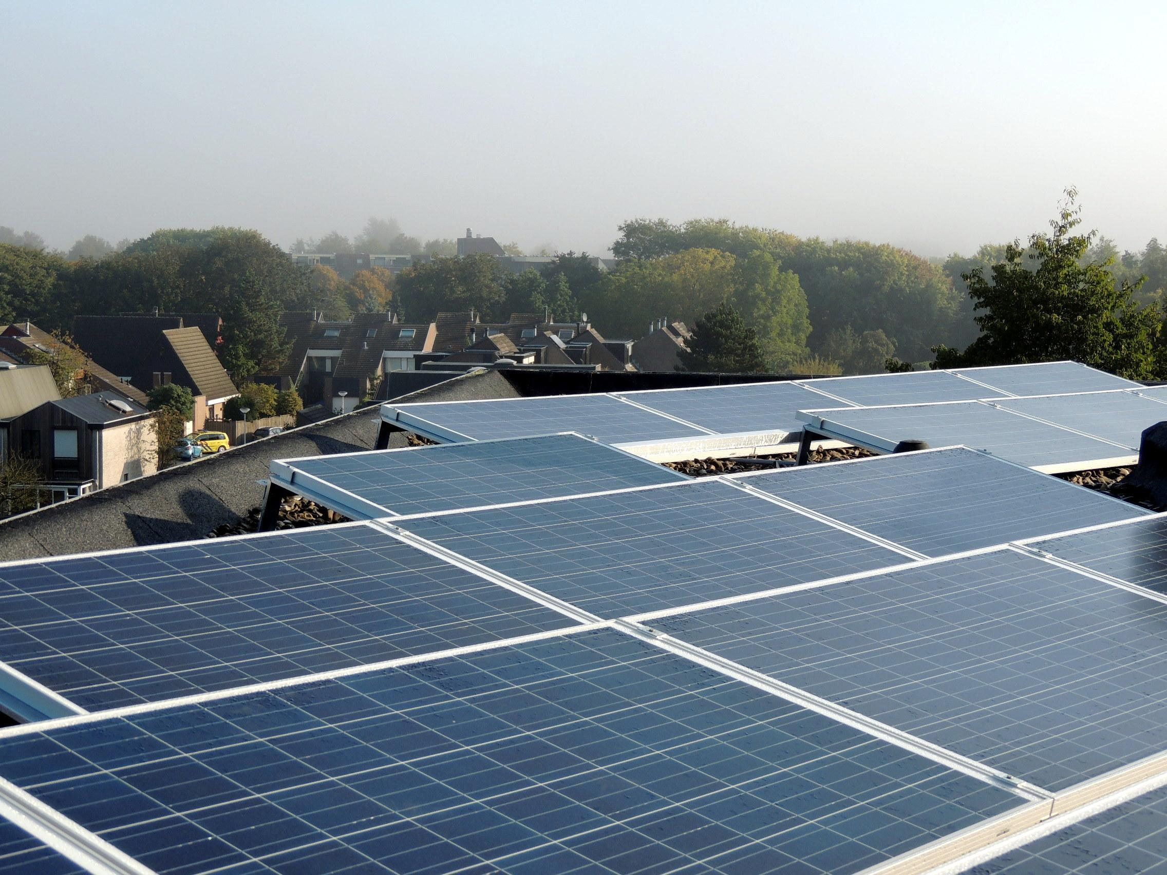 4 trends voor zonne-energie in 2016 :  'Gratis zonnestroom bestaat niet'